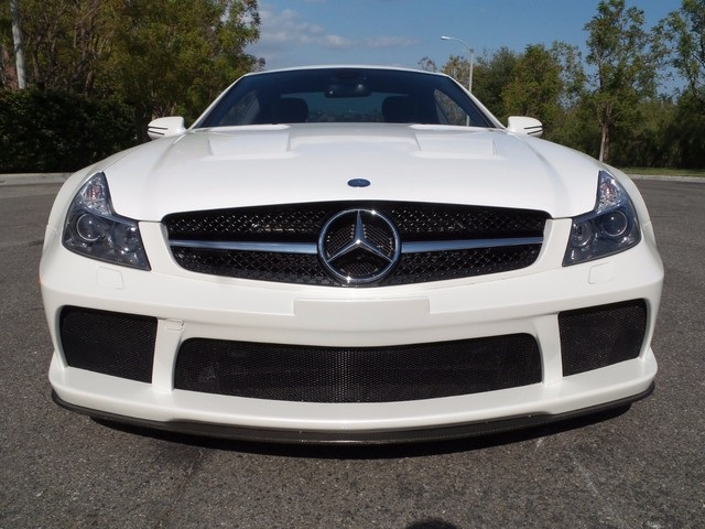 mercedesbenzsl65blackserieswhite1i