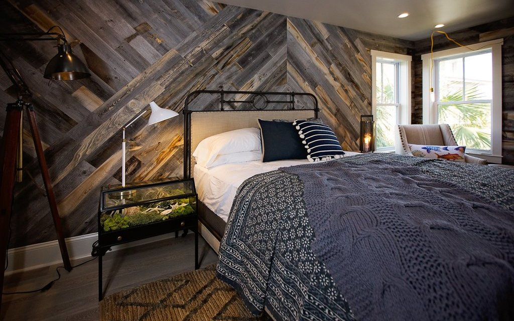 Stikwood.com/products/reclaimed-weathered-wood