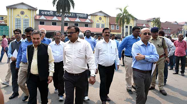 Assam:General Manager, NF Railway inspects Guwahati Station