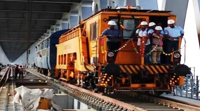 Assam: NF Railwayrun a trial engine on theBogibeel bridgeover the Brahmaputra- Watch Video