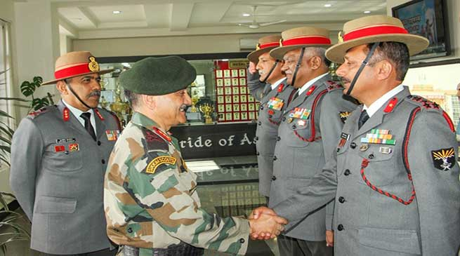 The Eastern Army Commander visited the Headquarters of Assam Rifles located at Laitkor, Shillong on 18 November.