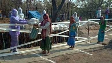 Coronavirus crisis : Indian army distributes relief materials to fire victims, but maintained social distancing