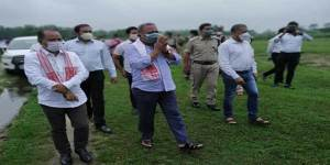 Assam Minister visits Assam-Arunachal inter state border to defuse tension