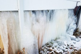 Ice-Home-Burst-Pipe