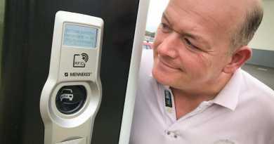 Eier, Mehl und Strom: Bei Treffpunkt Schnabel tanken Elektro-Fahrer jetzt voll