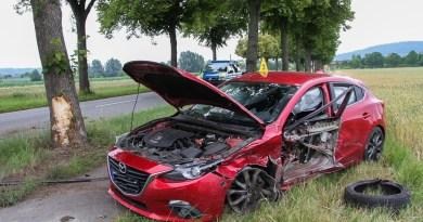 B 241 war nach Unfall mit drei Autos bei Höckelheim voll gesperrt