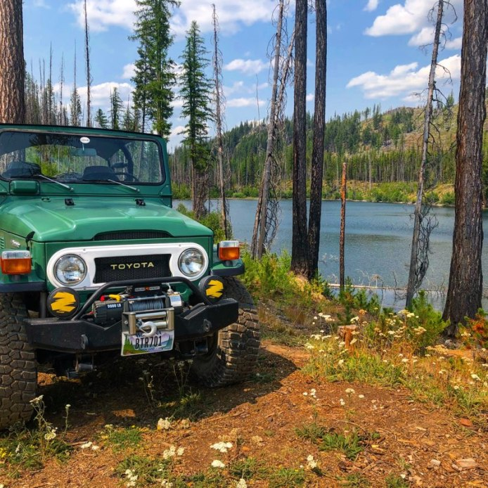 Toyota Landcruiser at Sylvia Lake in NW Montana