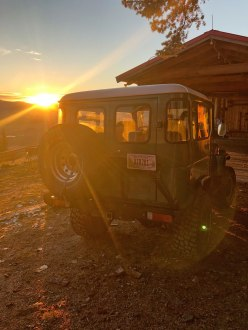 Landcruiser at Downing Mountain Lodge