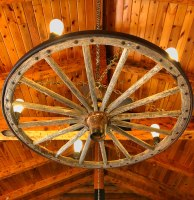 Trapper Peak Outfitters Wagon Wheel Light