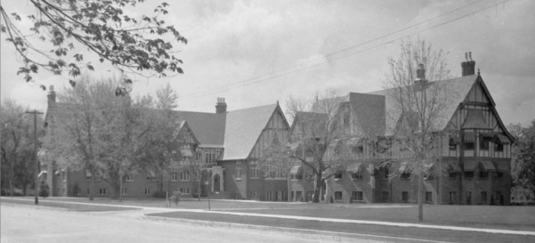 A photo of the Faculty Apartments as found in the Denver Library Archive. The photo was listed as being taken between 1948 and 1960.