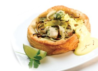 Caramelised Tartlet of Leeks and Scallops with Saffron Hollandaise