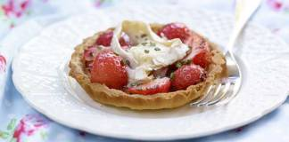 Strawberry goats cheese and black pepper tart