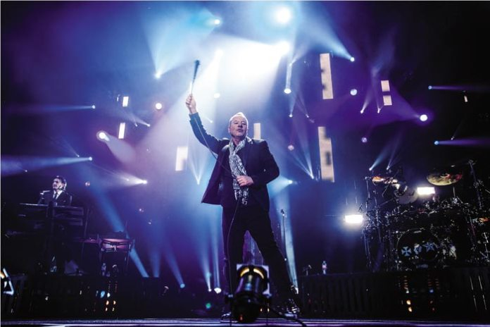 Simple Minds' Jim Kerr performing live © Alan Wild