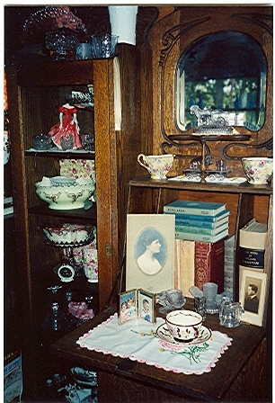 lovely-antiques
