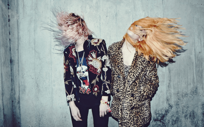 """Deap Vally release """"Royal Jelly"""" Produced By Yeah Yeah Yeahs' Nick Zinner"""