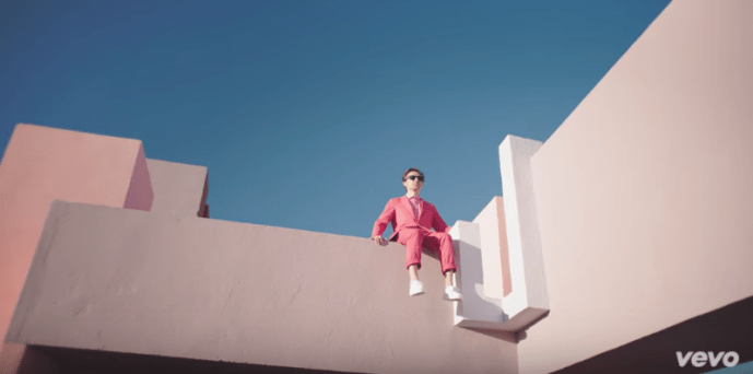 """Martin Solveig Releases """"Do It Right"""" Video, the track also features Tkay Maidza"""