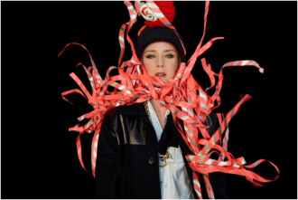 """Róisín Murphy, releases new video for """"Whatever"""""""