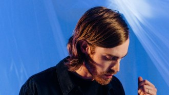 """Wild Nothing release new single """"Blue Wings."""" The track is off their LP 'Indigo,' out now via Captured Tracks. Wild Nothing play 2/11 in Manchester, UK"""