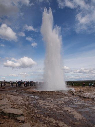 Strokkur doing its thing