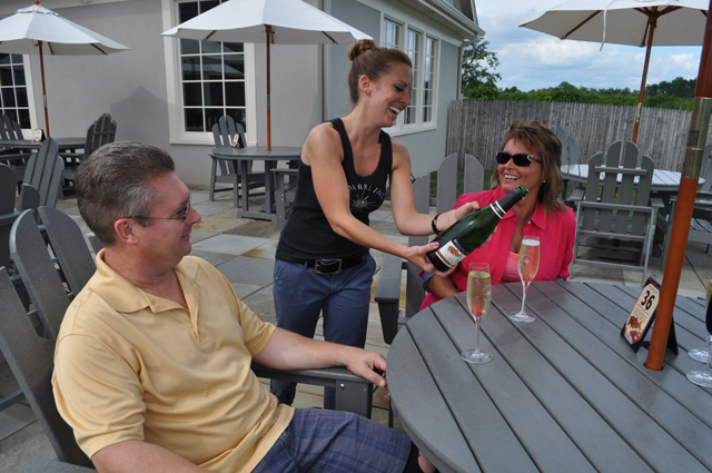 sparkling wine southold pointe