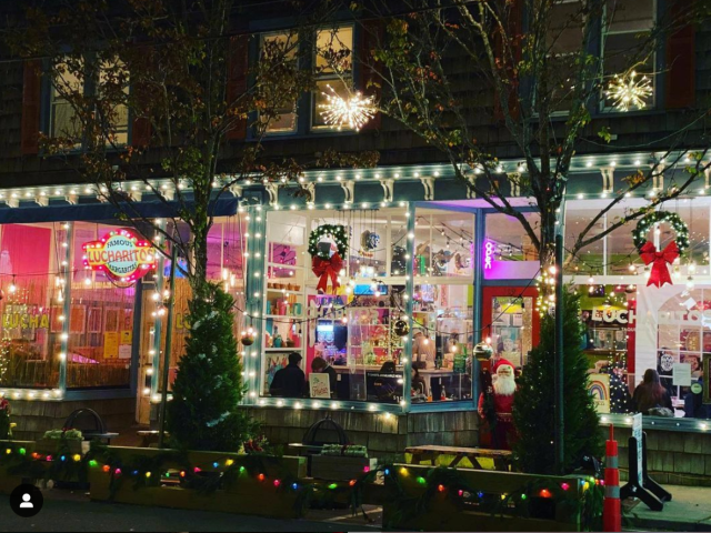 2020 Long Islands Best Places For Christmas Lights Scenic walks to take on Long Island in the winter