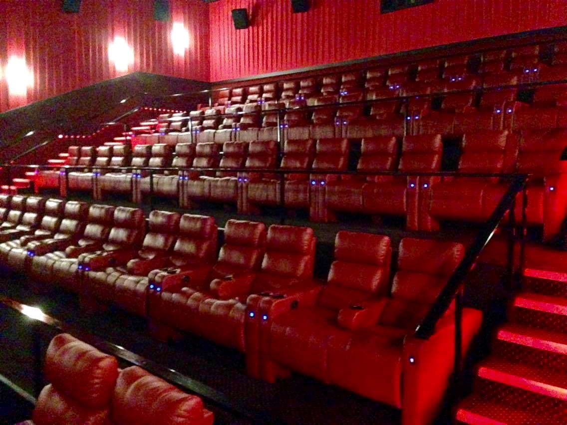 Reclining Chair Movie Theater Review Ldx Screen At Cinema West Theatre In Mason City