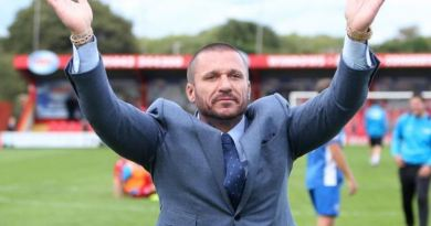 Tamplin steps down as Billericay Chief