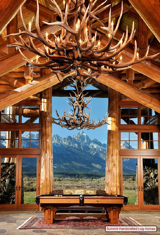 Antler chandelier - http://www.incredible-pictures.com/2013/03/amazing-log-cabin.html#.UYPP4Ct4YR1