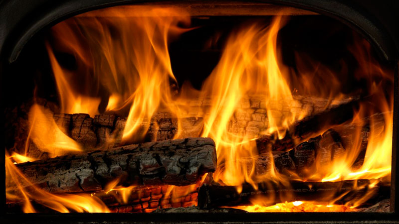 How to Build the Perfect Fire In Your Fireplace or Wood Stove