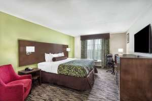 Baymont Inn and Suites North Little Rock Arkansas guest room