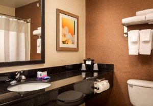 Fairfield Inn North Little Rock Arkansas - bathroom
