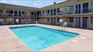 Motel 6 North Little Rock, Arkansas pool