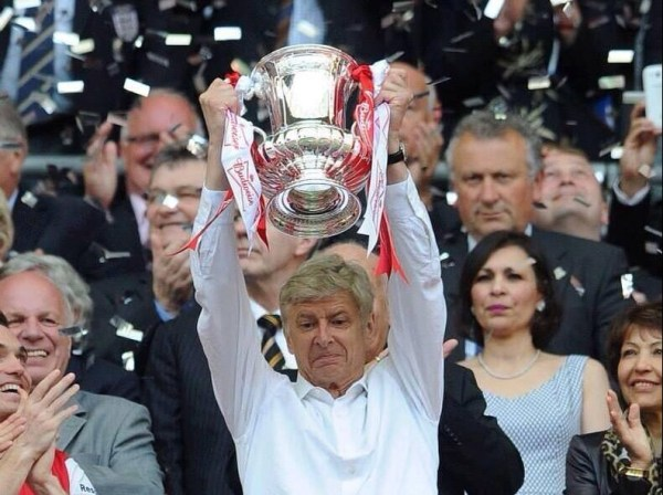 Wenger_Cup_Lift