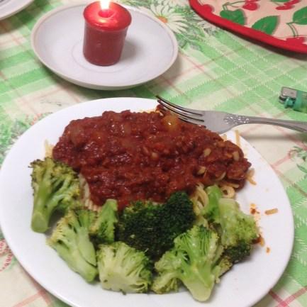 pasta with sauce (tomato paste + garlic + onion + garlic + spices + garlic). broccoli courtesy of Vickie.