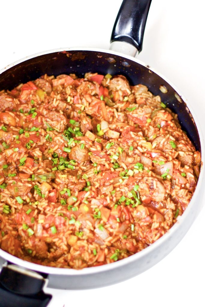 Homemade spicy sausage jambalaya is savoury and mouth watering. An easy and healthy one pot dinner recipe that's perfect for spicy food lovers, easy to cook up and a hearty, wholesome, and gluten-free meal. Family Friendly | Gluten-Free Rice | Main Dish | Dinner Recipe | Southern Dish | Southern Recipes | Cajun | Seasoning | From Scratch | Spicy Sausage | One Pot Meal |