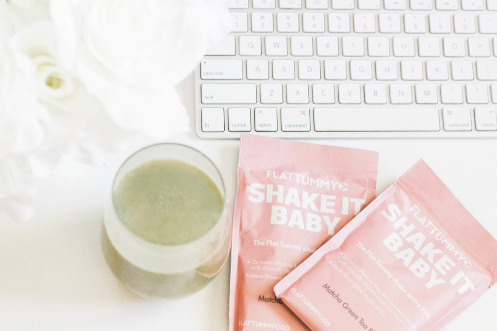 Flat Tummy Co. Meal Replacement Shakes - Do They Really Work?