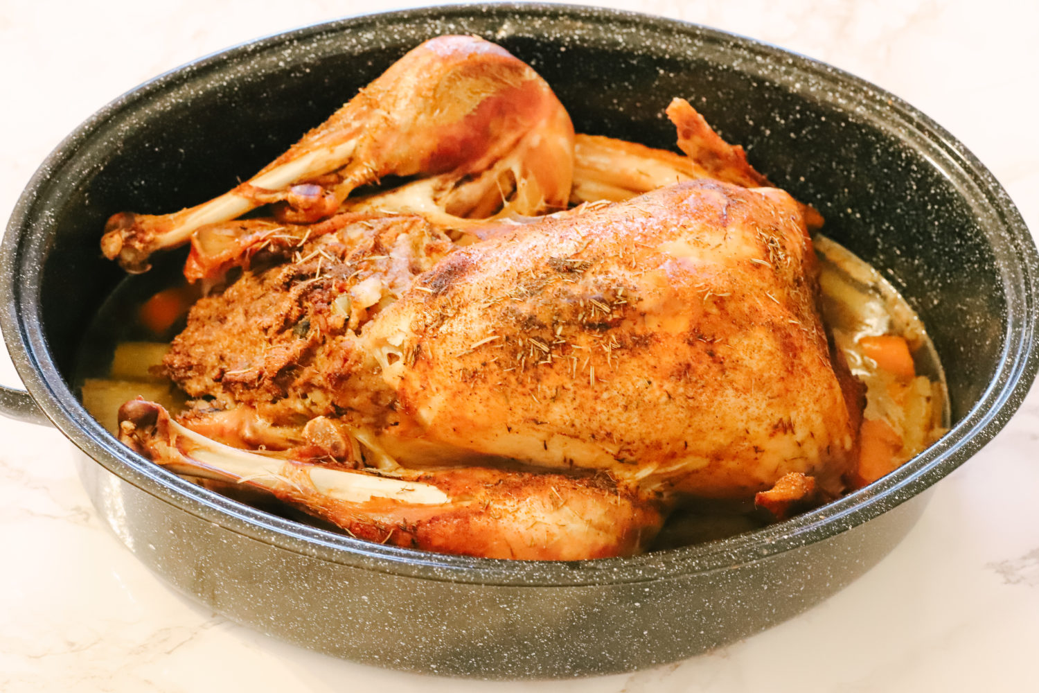The perfect Thanksgiving dinner made with a whole turkey cooked to juicy goodness and low carb stuffing! Christmas | Thanksgiving | Gluten-free | Holiday Recipes | Keto | Low Carb | Atkins | Oven Baked | Roasted | Cooked Turkey | Whole Turkey | Turkey Dinner | Stuffed Turkey | Keto Stuffing | Holiday Dinner | Homemade | Easy |