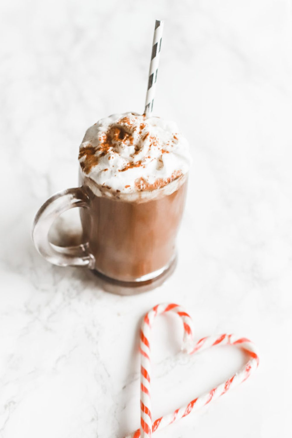 This homemade hot chocolate is deliciously decadent and creamy, using dairy free, sugar free ingredients to help with your weight loss goals. A holiday recipe the whole family will love and perfect for Christmas! Drinks | Drink Recipe | Dessert | Sugar Free | Dairy Free | Vegan | Keto | Ketogenic | Gluten-Free | Whole 30 | Paleo | Healthy | Christmas Recipe | Hot Cocoa | Chocolate | Crock Pot |