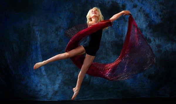 art-0913-dance1