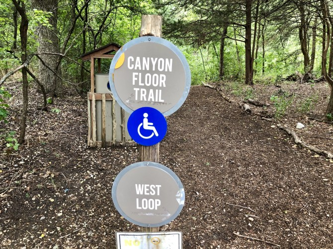 Dogwood Canyon: Canyon Floor Trail Sign