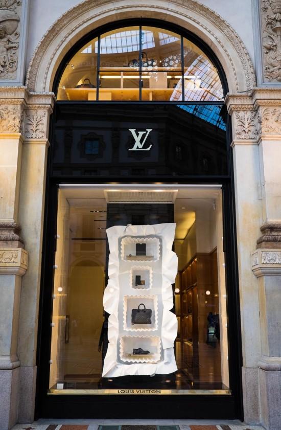 Louis Vuitton store, Galleria Vittorio Emanuele II, Milan, Italy on northtosouth.us
