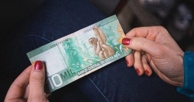 10 mil Costa Rican colones