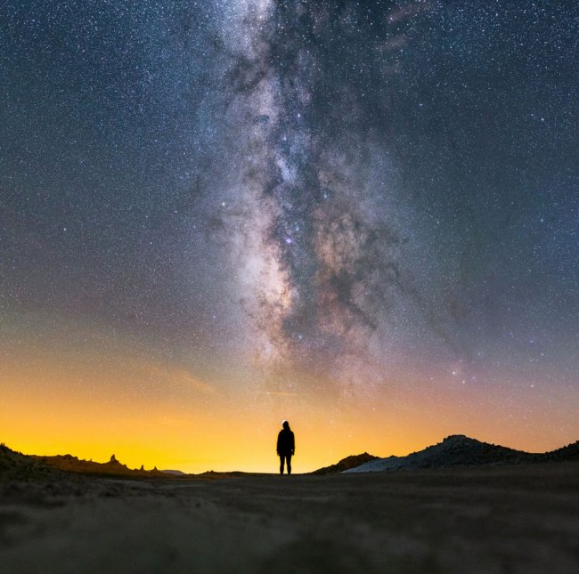 stunning travel portraits: silhouette under the stars