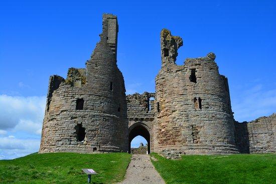 "<a href=""https://www.nationaltrust.org.uk/dunstanburgh-castle"">Dunstanburgh Castle</a>"