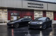 NorthWest-Auto-Salon-YIR-2015-Tesla-Model-S-duo