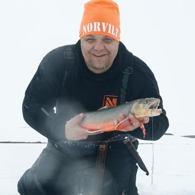 FISKE I NORD NORGE MED AILO
