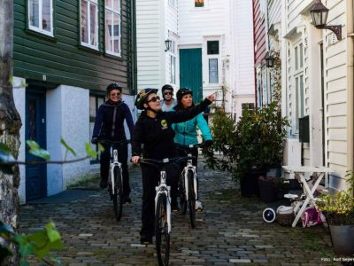 Riding bike through Bergen