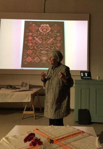 Hildur Hakonardottir delivers an introductory lecture on glit.