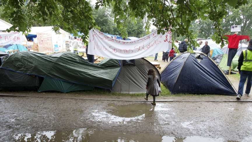 Refugees living in tents in the Maximilianpark in Brussels, Belgium, photo: AFP