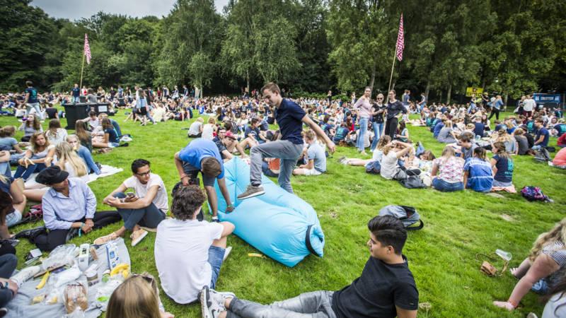 Universiteit Groningen roept personeel op studenten in